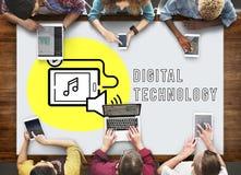 Concepto social del dispositivo de Digitaces del podcast medios Fotos de archivo libres de regalías