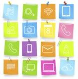 Concepto temático de la nota de los símbolos de la comunicación social del establecimiento de una red Foto de archivo libre de regalías
