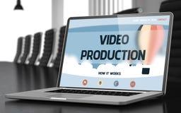 Concepto video de la producción en la pantalla del ordenador portátil 3d foto de archivo libre de regalías