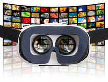 Conceptos virtuales de las auriculares de las gafas de los vidrios del vr foto de archivo libre de regalías