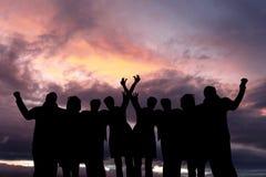 Concepts de succès, d'amitié, de la communauté et de bonheur Photos stock
