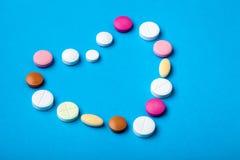 Conceptuele achtergrond op het farmaceutische thema stock foto's