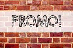 Conceptuele de titelinspiratie die van de aankondigingstekst Promo tonen Bedrijfsconcept voor Promo-Verkoop het Winkelen geschrev stock foto's
