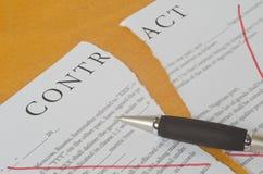Conceptuele fotografie van de annulering van het contract royalty-vrije stock afbeelding