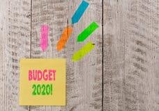 Conceptuele hand die tonend Begroting 2020 schrijven De raming van de bedrijfsfototekst van inkomen en uitgaven voor volgende of  royalty-vrije stock foto's