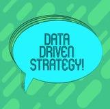Conceptuele hand die tonend Gegevens Gedreven Strategie schrijven Bedrijfsdiefoto demonstratiebesluiten bij de gegevensanalyse wo royalty-vrije illustratie