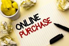 Conceptuele hand die tonend Online Aankoop schrijven De bedrijfsfoto demonstratie koopt dingen op het net gaat winkelend zonder h royalty-vrije stock afbeeldingen