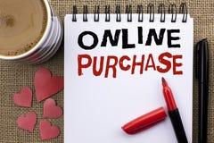 Conceptuele hand die tonend Online Aankoop schrijven De bedrijfsfoto demonstratie koopt dingen op het net gaat winkelend zonder h royalty-vrije stock foto