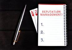 Conceptuele hand die tonend Reputatiebeheer schrijven De bedrijfsfoto demonstratieinvloed en controleert het Beeldmerk royalty-vrije stock fotografie