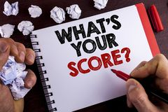 Conceptuele hand die tonend schrijven wat Uw Scorevraag is De bedrijfsfototekst vertelt Persoonlijke Individuele Classificatie Ge royalty-vrije stock foto's