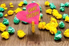 Conceptuele hand die tonend Speltheorie schrijven De tak van de bedrijfsfototekst van wiskunde betreffende analyse van strategieë royalty-vrije stock fotografie