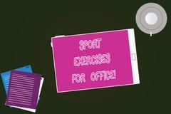 Conceptuele hand die tonend Sportenoefeningen voor Bureau schrijven Bedrijfsfototekst die in de pasvorm van het werkplaatsverblij royalty-vrije illustratie