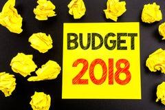 Conceptuele hand het schrijven tekst die Begroting 2018 tonen Bedrijfsconcept voor Huishouden die boekhouding planning geschreven Stock Foto's