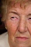 concerned старшая женщина стоковая фотография rf
