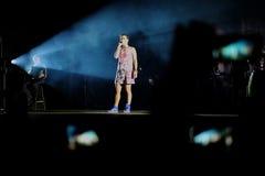 Concert de chanteur français populal Zaz sur le festival de Francofolies dans Blagoevgrad, Bulgarie 18 06 2016 Photographie stock libre de droits