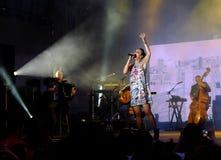 Concert de chanteur français populal Zaz sur le festival de Francofolies dans Blagoevgrad, Bulgarie 18 06 2016 Photos stock