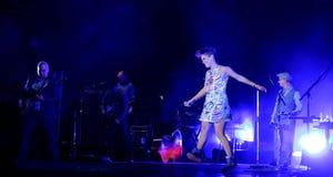 Concert de chanteur français populal Zaz sur le festival de Francofolies dans Blagoevgrad, Bulgarie 18 06 2016 Photos libres de droits