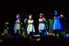 Concert de filles de Dakh dans Sentrum, Kiev, 23.04.2014 Photographie stock libre de droits