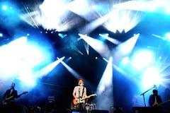 Concert de Travis (groupe de rock alternatif de courrier-Britpop britannique) au festival de BOBARD Photographie stock libre de droits