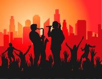 Concert sous tension dans la ville Images stock
