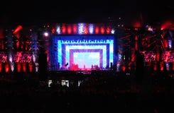 Concert vivant sur la scène principale du festival incalculable Images stock