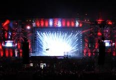 Concert vivant sur la scène principale du festival incalculable Photo stock