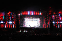 Concert vivant sur la scène principale du festival incalculable Photographie stock