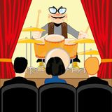 Concerto μουσικής του τυμπανιστή στο κοινός-δωμάτιο απεικόνιση αποθεμάτων