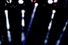 Concerto Defocused di spettacolo che si accende in scena, bokeh immagini stock