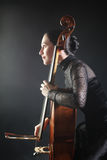 Concerto del violoncellista del giocatore del violoncello Fotografia Stock Libera da Diritti