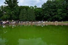 Concerts Chopin en parc royal de Lazienki à Varsovie photos stock