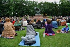Concerts Chopin en parc royal de Lazienki à Varsovie images libres de droits