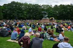 Concerts Chopin en parc royal de Lazienki à Varsovie photo libre de droits
