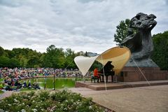 Concerts Chopin en parc royal de Lazienki à Varsovie photo stock