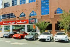 Concessionário automóvel em Dubai Foto de Stock Royalty Free