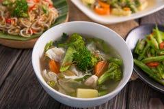Concession de Sayur ou potage aux légumes images stock