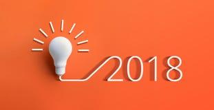 concetti 2018 di ispirazione di creatività con la lampadina Fotografia Stock Libera da Diritti