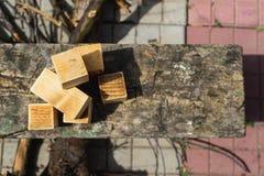 Concetti rustici, cubi di legno casalinghi Fotografia Stock