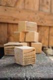 Concetti rustici, cubi di legno casalinghi Fotografie Stock