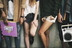 Concetto casuale di stile della gioventù della cultura di stile di vita degli adolescenti fotografia stock