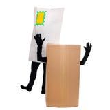 Concetto: Consegna del pacchetto con la lettera ed il pacchetto divertenti Fotografie Stock