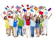 Concetto culturale Multi-etnico allegro di felicità della gente immagine stock