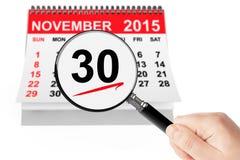 Concetto cyber di lunedì 26 novembre 2015 calendario con la lente immagine stock libera da diritti