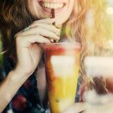 Concetto d'avanguardia di Juice Calm Cheerful Chilling Female fotografia stock
