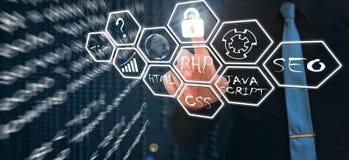 Concetto degli strumenti di sviluppo Web sullo schermo virtuale Linguaggio di programmazione e scritti PHP, HTML, CSS, Java Scrip immagine stock libera da diritti