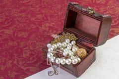 Concetto dei gioielli dell'oro Fotografie Stock Libere da Diritti