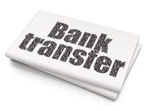 Concetto dei soldi: Trasferimento bancario sul fondo in bianco del giornale Fotografia Stock Libera da Diritti