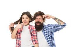 Concetto del barbiere e del parrucchiere Divertendosi con l'acconciatura lunga Cura di capelli Invidia la mia acconciatura Uomo c fotografia stock