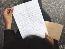 Concetto del collegamento di comunicazione della corrispondenza della posta di lettera immagine stock