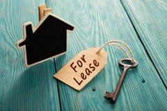 concetto del contratto d'affitto del bene immobile fotografie stock